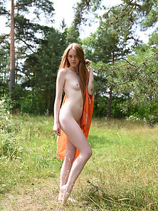 Brown Haired Skinny Chick Exposes Her Sexy Naked Body at Outdoor