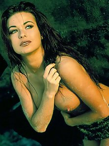 Electra gets nude in her pictorials