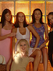 Group of Young Babes Expose Their Bare Body in Horny Mood