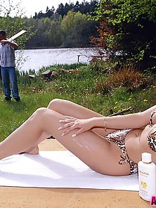 Naughty brunette babe takes it in her booty in a forest