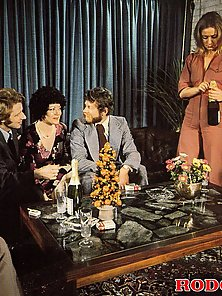 Eight horny and wild seventies peeps fucking with eachother