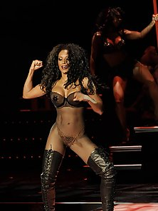 Pics of super hot sexy and busty former Spice Girl Melanie Brown