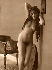 Dashing Vintage Ladies Expose Hairy Snatches on Webcam in Horny Mood