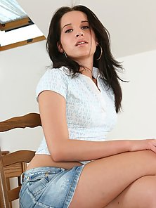 Awesome teen babe