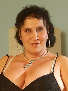 Chubby Belane Wants A Spurt In Her Pussy