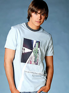 Hot photos of cute and young Hollywood heartthrob Zac Efron