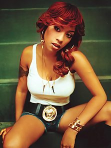 Pictures of hot sexy Keyshia Cole in various sexy outfits