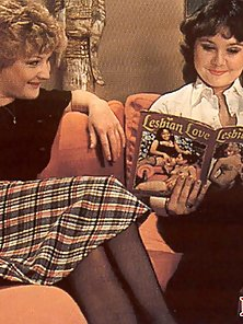 Two horny retro lesbians exploring their pussies