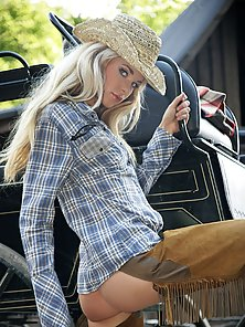 Stunning cowgirl showing her slim tiny bodyparts outdoor