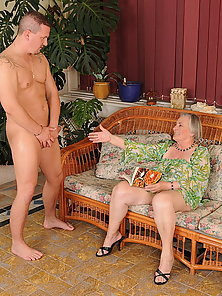 Very old granny got a juicy sperm load on her face