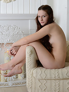 Sexy Brunette Chick Divulging Her Ravenous Hairy Snatch