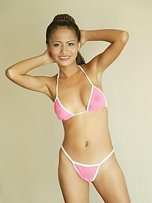 Amazing Thai takes all her bikini off showing her great body