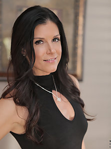 Gorgeous milf India Summer seduces a young stud for his big cock