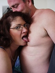 Amateur mom sucking cock and riding hard