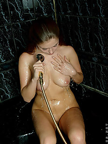 Get loaded as synthia lets the cameraman cover her hot and steamy bath