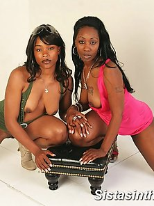 Lesbos Caramel and Beauty are so bored they do a wild foreplay