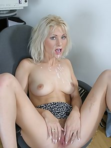 Blonde Giving Deep Head and Messy Cumshot to her Mouth