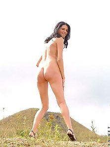 Hot daring chick ola looking for some fun outdoors