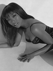 Very sexy pictures of the young and pretty RnB princess Brandy