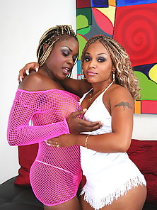 Hot sistas Coco and Yexes fucking at the couch with huge dildos