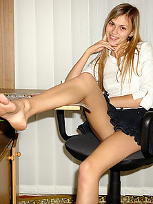 Shes such a glorious sweet model having fun exposing her upskirt on ca