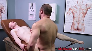 Horny muscular dude penetrating tight asshole in clinic