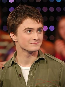 Grown up Harry Potter star Daniel Radcliffe hot and shirtless