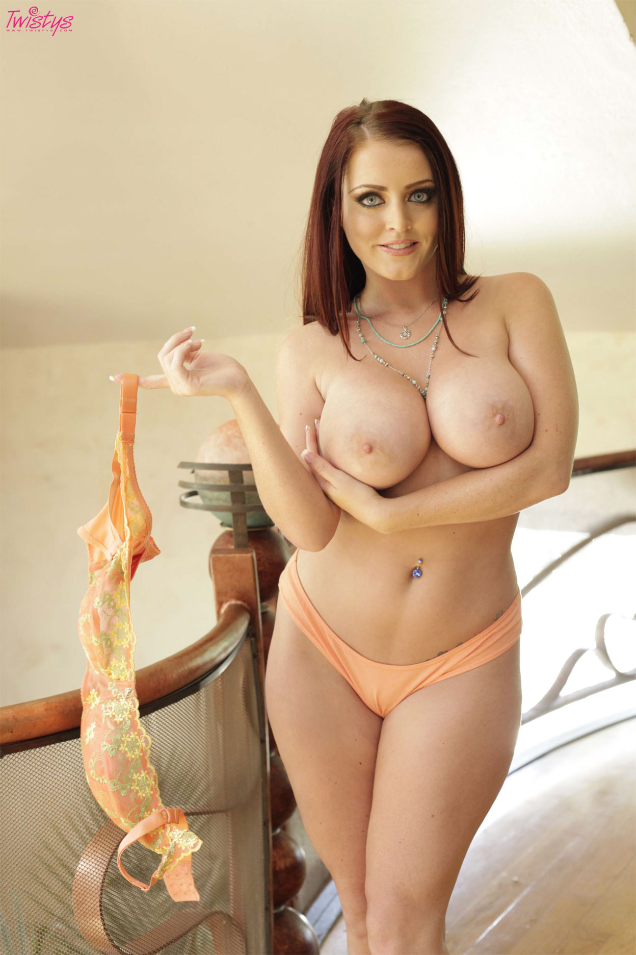 Big Boobed Sophie Dee Gets Fucked Porn Video Tube-pic7024