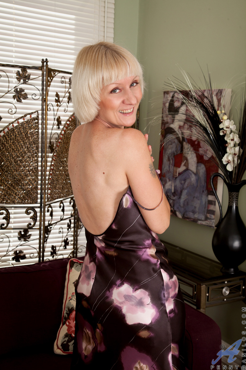 Hot Anilos Granny Wears Stockings As She Shows Off Her -1290