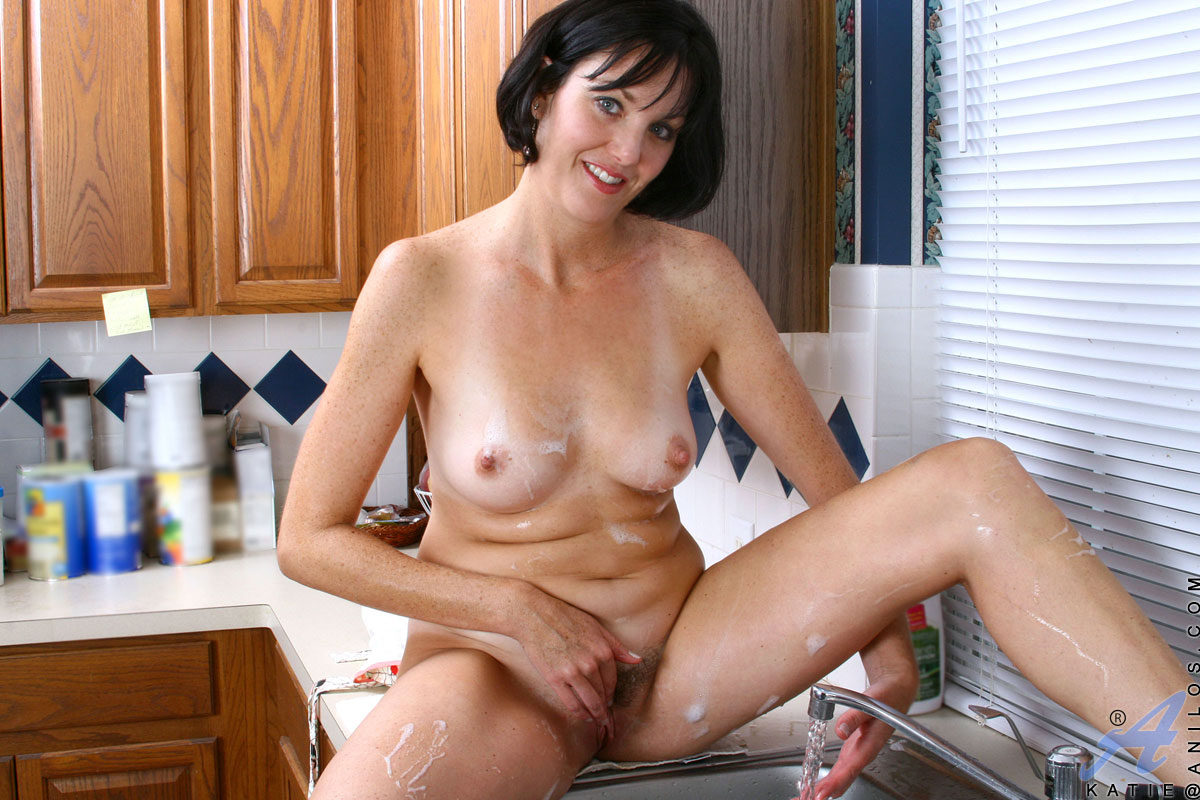 Housewives in nude video