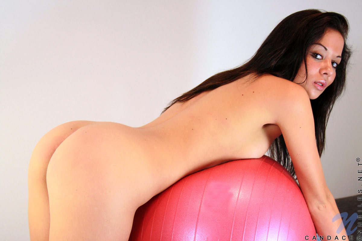 nude ball Naked exercise on