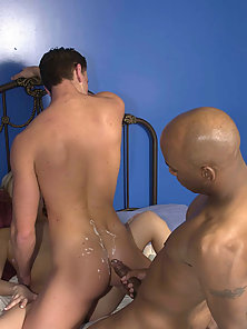 Ivory and ebony bisexuals in steamy cum squirting threesome orgy