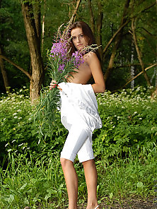 Take a walk with nika as she pick this wild flowers at the same time s
