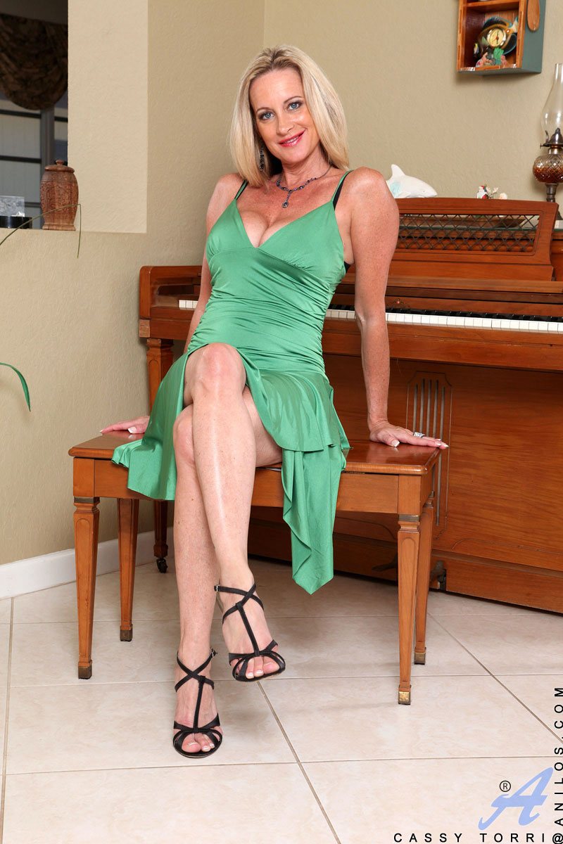 Erica campbell perfect pinup for pinupfiles foxhq