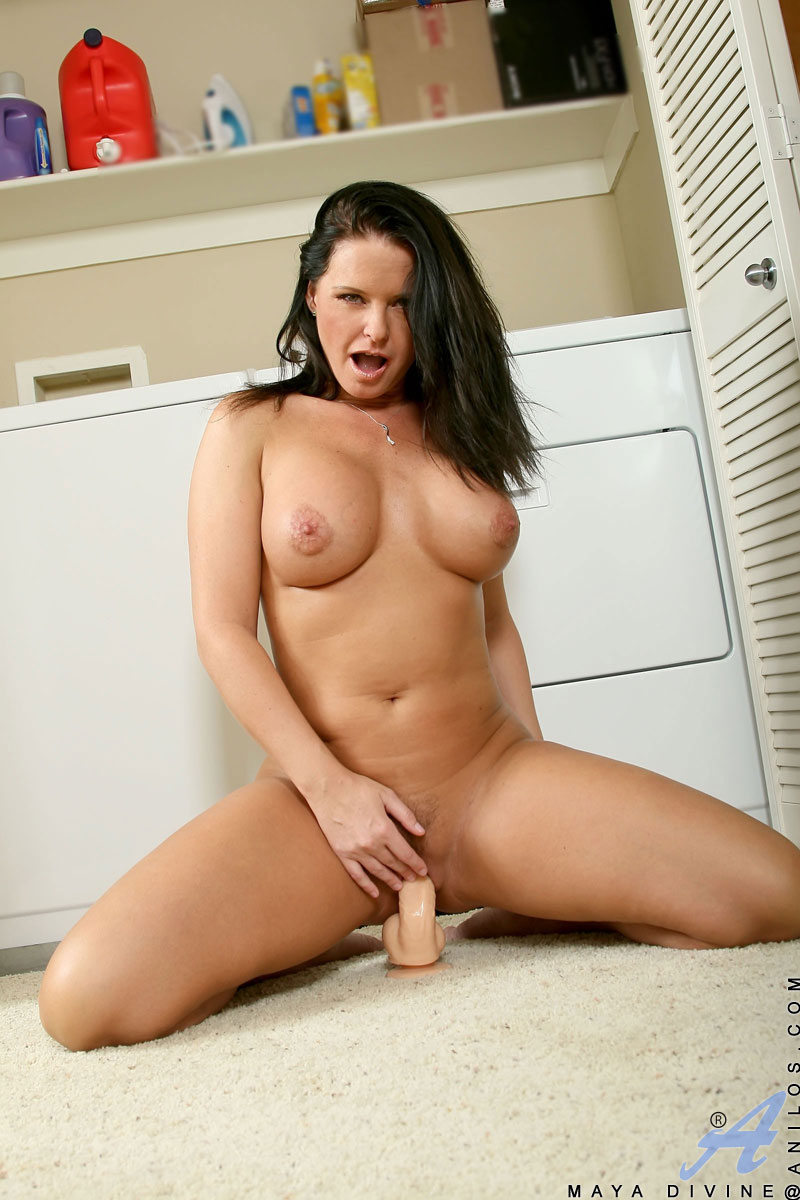 Busty Solo Dildo Squirt