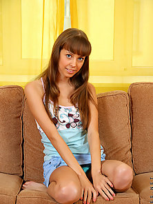 Long haired nubile showing us her upskirt stuff nice smooth legs and a