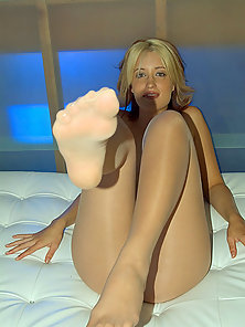 Barefoot blonde in hose gets pounded after some sexy toe sucking