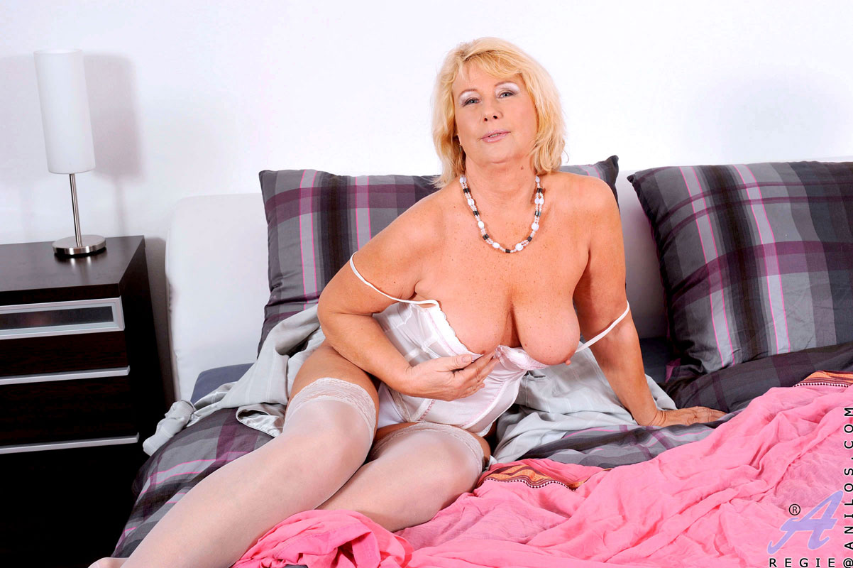 Pleasures dildo milf a