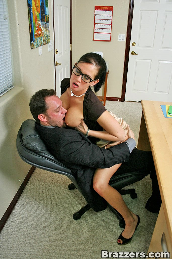 Boss having sex in the office