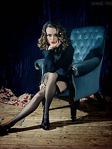 Keira Knightley poses seductively on front of cam baring her body