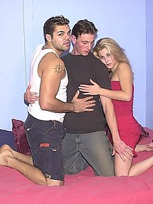 Lucky chick joins bi guys sucking and fucking