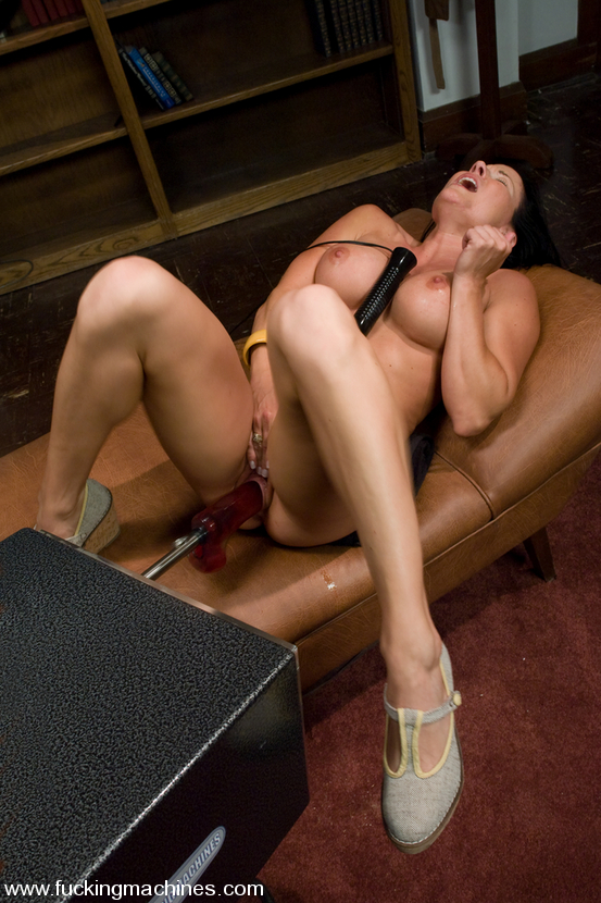 Milf Gets Machine Nailed In The Doc Office - Sex Oasis-8166