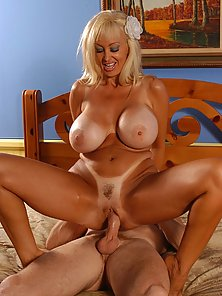 Brittany ONeil gets her mature cunt ripped