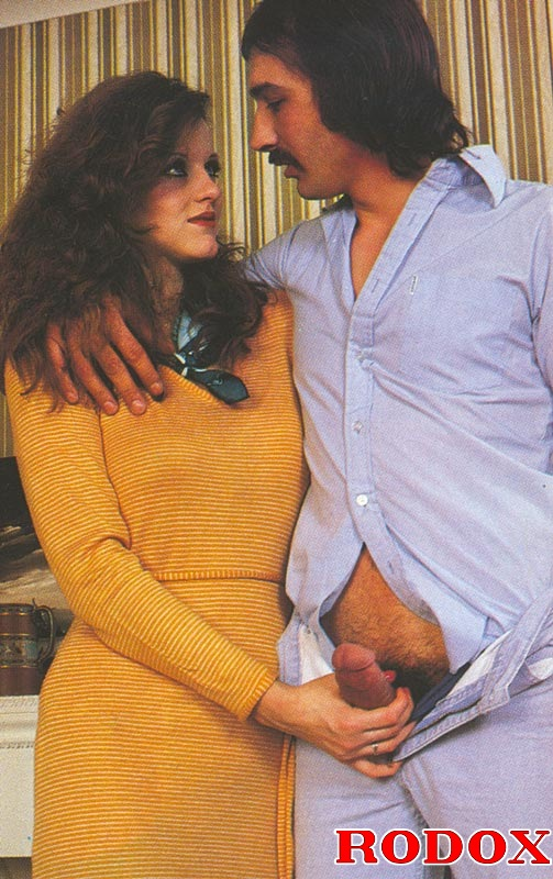 Retro threesome galleries with