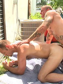 These buff tight bodied guys love fucking in public!