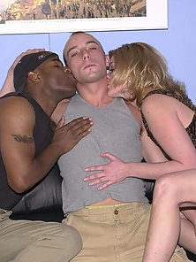 Kinky bisexuals hungry for pleasure gets intense double penetration pl