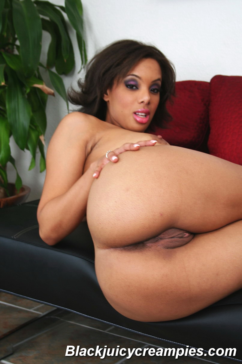 Alicia Tyler Gets Her Teen Pussy Sucked And Fucked