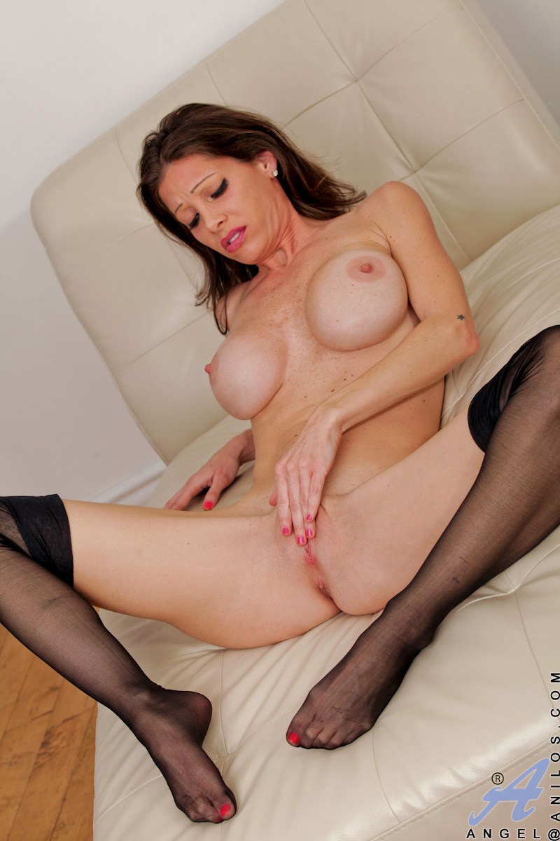 Cougar wife pussy