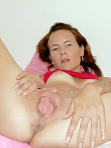 Slut stuffing her pussy with dildo