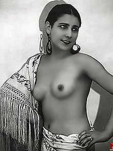 Erotic Stylish Ethnic Swarthy Chick Flashing Her Perky Tits in Horny Action